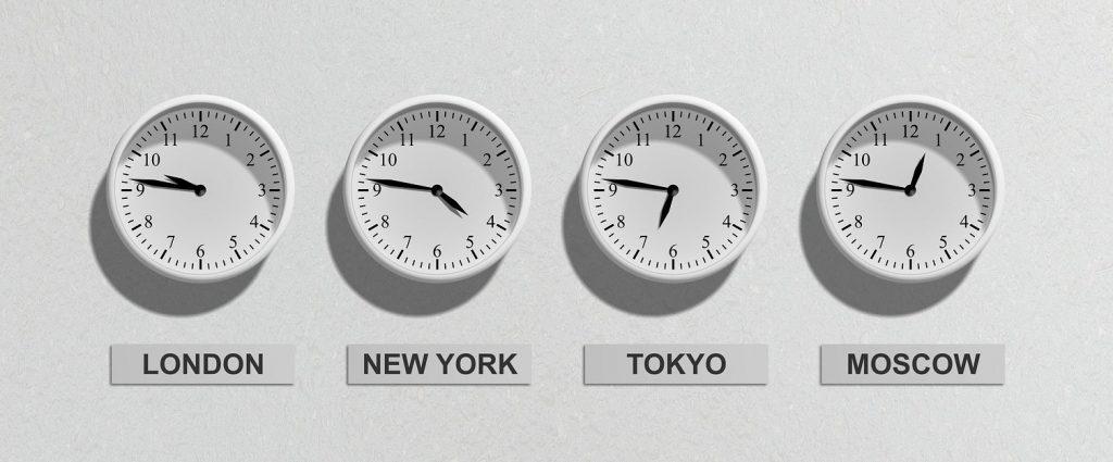 Clocks (particular) by Jarmoluk/Pixabay